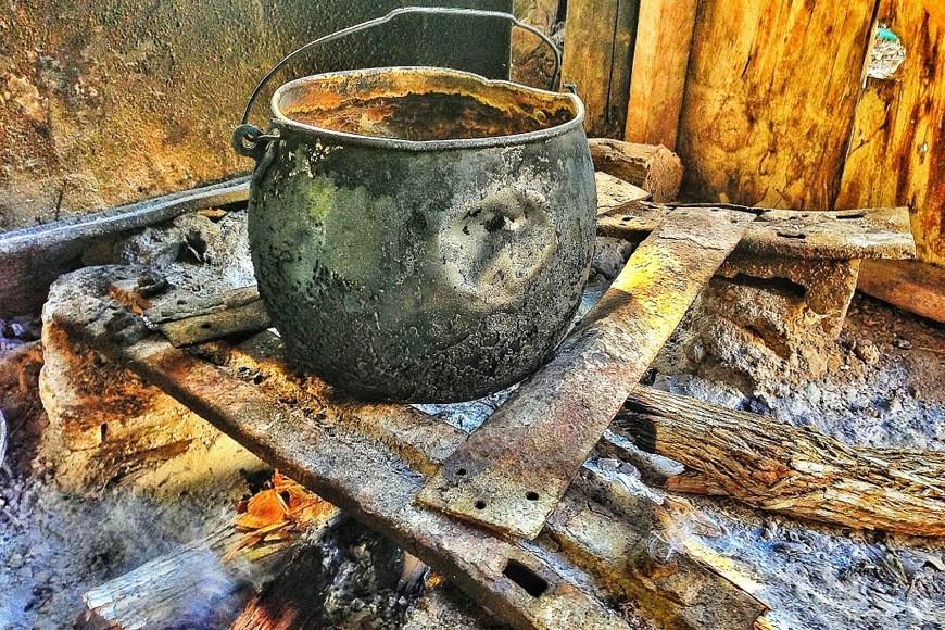 Fogones de barro, reliquias en Paraguaná