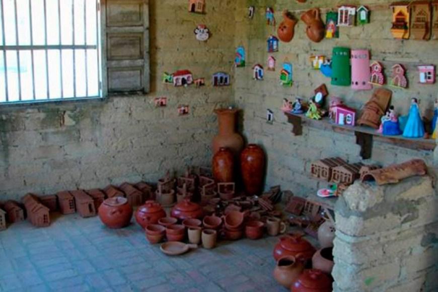 Costumbres de Paraguaná: Técnica del barro de Miraca